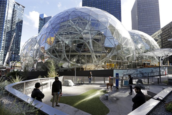 The Santa Clarita Valley is a perfect location for Amazon's HQ2